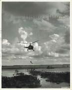 1950 Press Photo Helicopter Lifts Air Force Man From Life Raft Macdill Base Fl