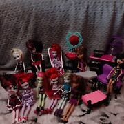 11 Monster High Dolls And Furniture Lot Used
