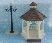 Vintage Lemax Christmas Village Wooden Gazebo And Die Cast Street Lamp Access