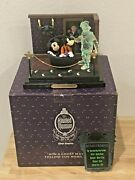 Wdw 999 Happy Haunts Ball A Ghost May Follow You Home Haunted Mansion Le 500