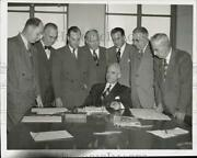 1950 Press Photo Coal Dealers Advisory Committee Meet About Rationing In Ny