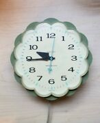 Vintage General Electric Kitchen Clock Lighted Dial Avocado Green Daisy 2150