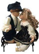 Kissing Porcelain/bisque Dolls Oh 12217 Me 2087 Wood And Wrought Iron Bench.