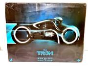 Hot Toys 1/6 Action Figure Mms142 Tron Legacy Sam Flynn With Light Cycle