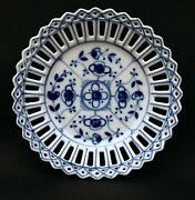 19th Century Continental Porcelain Cross-linked Onion Dish