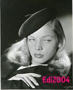 Lauren Bacall Vintage Original Signed Autograph Card And 1945 Photo In Beret Rare