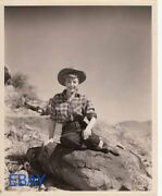 Marie Windsor Sexy Cowgirl Vintage Photo