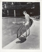Barechested Robert Wagner Works Out At The Pool Rare Photo