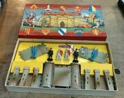 Crescent Toys / Fortress With Knights / Brand New Original Box - Extremely Rare