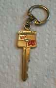 Very Nice Vintage Old Chevy Gold Crest Enameled Key Chain Usa