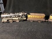 Vintage Marx Wind-up Train W/ Key And 2 Train Cars 897 And 2-567 Made In The Usaandnbsp