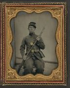 Photo Civil War Union In Uniform With Bayoneted Musket Cartridge And Cap Box