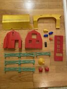 Marx Toy Plastic Barn Farm Playset Animal Lot Green Fence Fencing Parts Pieces