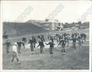 1932 Yale University Football Players Jumping Rope In Practice Press Photo