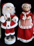 Vintage 18 Pair Santa And Mrs. Claus Musical Figures Holding Light Up Candle
