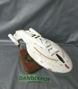 Pacific Aircraft Collector's Choice Star Trek U.s.s. Voyager Space Ship Ncc74656