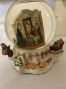 Vtg Santa Claus Is Coming To Town Musical Snow Globe Santa Delivers Presents 🎁