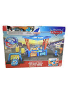 Pixar Cars Color Changers Dinoco Car Wash W Excl Lightning Mcqueen Pitty Disney
