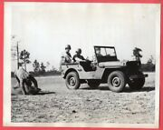 1944 Soldier Falls Out Of Jeep 7x9 Original News Photo