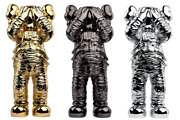 Kaws Holiday Space Set Of 3 Gold / Black / Silver