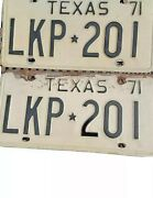 Old Antique Automobile Matching Set Of Vintage 1971 Texas License Plates