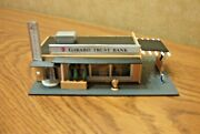 Bachmann Drive-in Bank Built-up Building N Scale