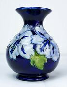 Stunning Moorcroft Pale Blue And039hibiscusand039 Small Vase Made In England C.1980and039s