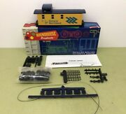 Ho Scale 3 Window Caboose Ontario Northland 107 Roundhouse - Nos Mib 034