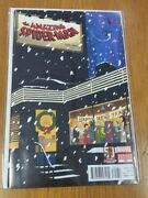 Spiderman Amazing 700 Christmas Variant Marvel May 2013 Nm+ 9.6 Or Better