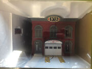 Railking 30-9196 Operating Fire House Engine Conpany W/ Fire Truck