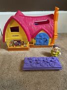 Fisher Price Little People Disney's Snow White Musical Cottage