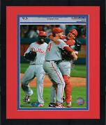 Framed Roy Halladay And Carlos Ruiz Phillies Signed 8x10 Hugging Photo - Psa/dna