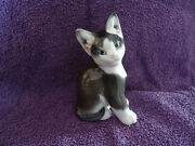 Delightful Seated Cat Figurine By Rosenthal 2/q