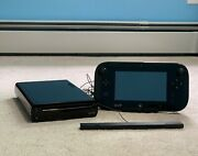 Nintendo Wii U Model Wup-101 With Sensor Bar And Game