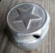 - 1922 1923 1924 1925 1926 1927 1928 Star Threaded Hub Cap - Bullet Hole