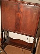 Vintage Antique Console Radio's Atwater Kent Model 40. Works