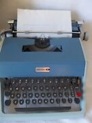 Olivetti Underwood 21 Manual Portable Typewriter W/ Case, Made In Italy