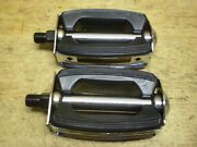 Schwinn Stingray Bicycle Bow Pedals And 26 Cruiser Corvette Jaguar Hollywood Andand