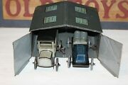 Nice Early 1910and039s/20and039s Bing Tin Litho Garage With Two Wind Up Cars Set