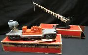 Vtg Lionel 252 Automatic Crossing Gate And 3620 Rotating Search Light Train Car