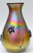 Iridescent Gold Vase With Flower Design By Saul Alcaraz. Blown Glass
