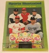 Johnny Bench - July 11 1968 Sports Illustrated Magazine With Best Rookies