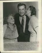 1953 Press Photo Roberto B. Meyner, Governor Of New Jersey With Sister And Wife
