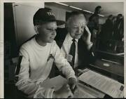 1987 Press Photo Stephen Embray With Sports Staff Alf Van Hoose In Press Box