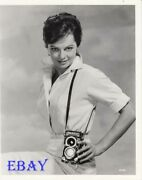Sexy Joyce Taylor W/a Camera Promo For Atlantis The Lost Continent Vintage Photo