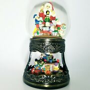 Santa Claus Is Coming To Town Vintage Musical Water Snow Globe By Traditions