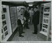 1977 Press Photo Houston Lt. J. D. Belcher And Others At Police Mobile Exhibit