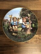 Mj Hummel Apple Tree Boy And Girl 8.25 Collectors Plate Limited Edition