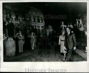 1970 Press Photo Pat And Richard Nixon Saluted By Italian Officers Rome