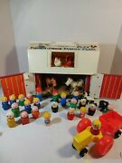 Vintage Fisher Price Play Family Farm Set Little People. 32 Pieces.
